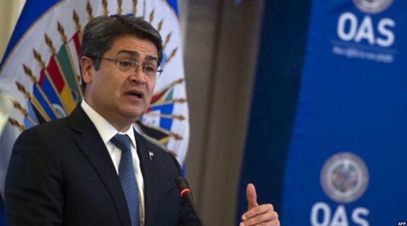 Presidente Honduras dice en la OEA que bandas criminales mutan para influir en política