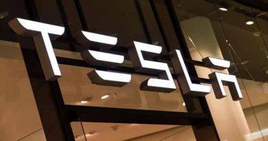 Tesla sigue su escalada en Wall Street y ya vale más que Facebook